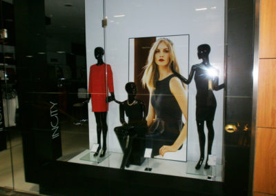 Интерьерное панно магазина женской одежды